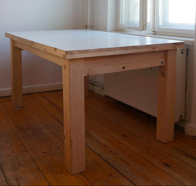 Schreibtisch mit beweglicher h henverstellbarer for Schreibtisch untergestell